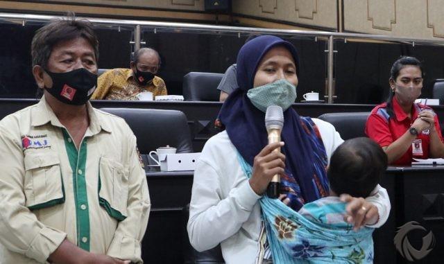 Wanita Ini Mengaku Diminta Aparat Desa Akui Kematian Ibunya Karena Covid-19