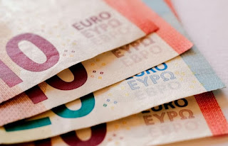 Finance | Choosing the Best Money Transfer Provider