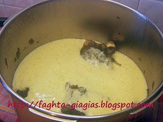 Αρνάκι φρικασέ με ψιλικά αυγολέμονο - από «Τα φαγητά της γιαγιάς»