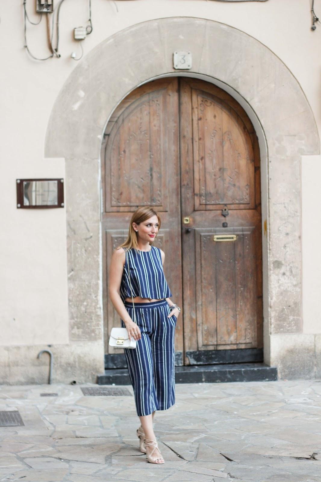 Cropped Top - Croptop - Streifen - Streifen Look - angesagte Streifentrends - Looks mit streifen -Furla Tasche Blogger