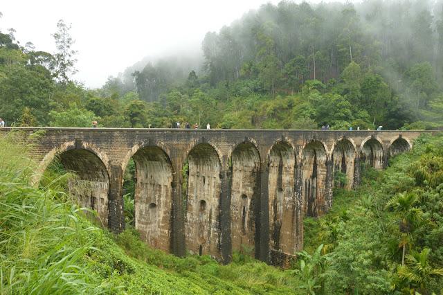 9 arches bridge in Ella