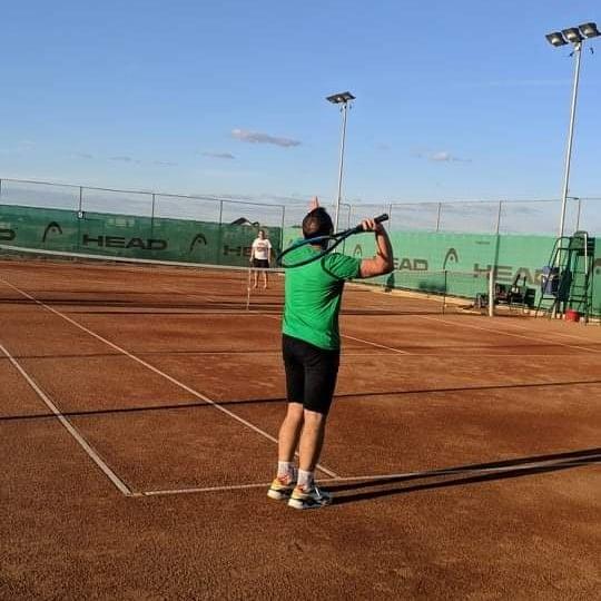 Tenisul unul din sporturile mele preferate