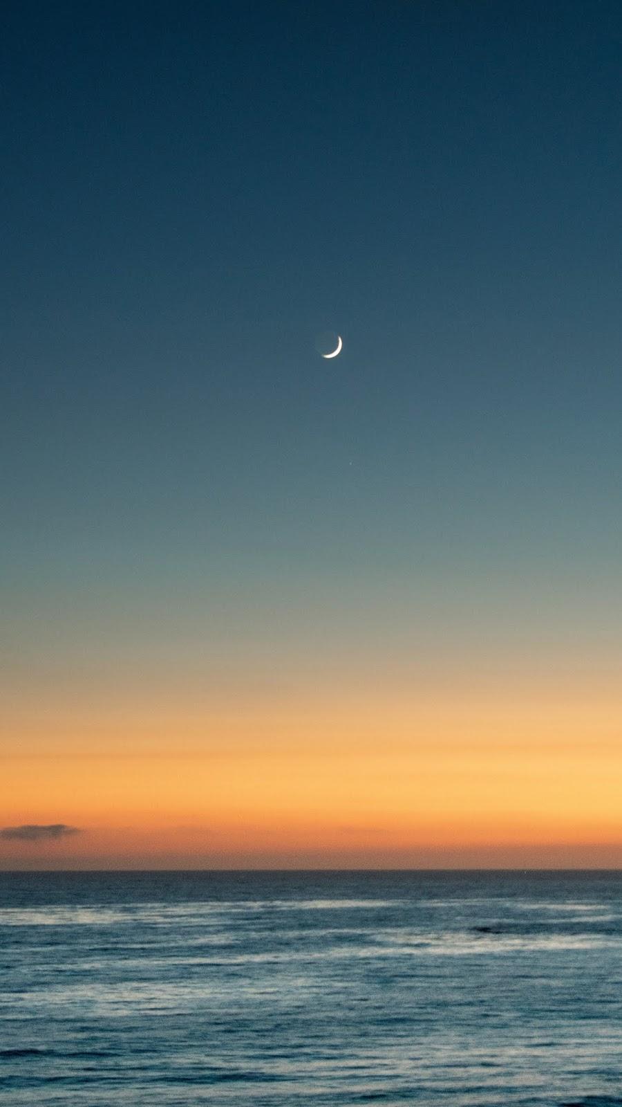 Sky before nighttime