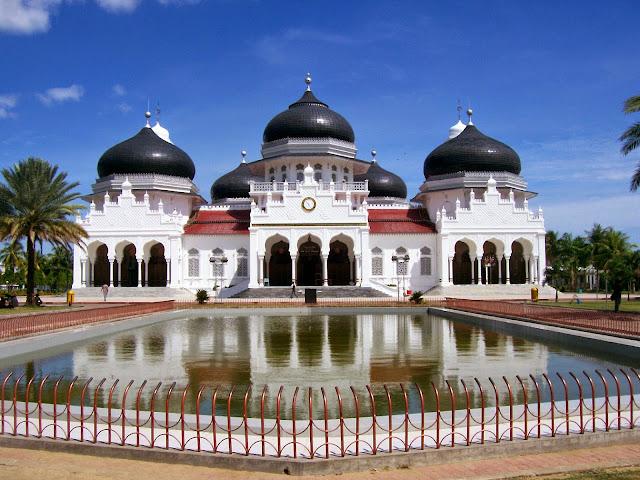 Masjid Raya Baiturahman in Banda Aceh