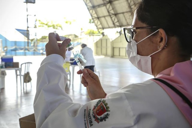 População esgota vacina para H1N1 em Curitiba, Colombo e Pinhais