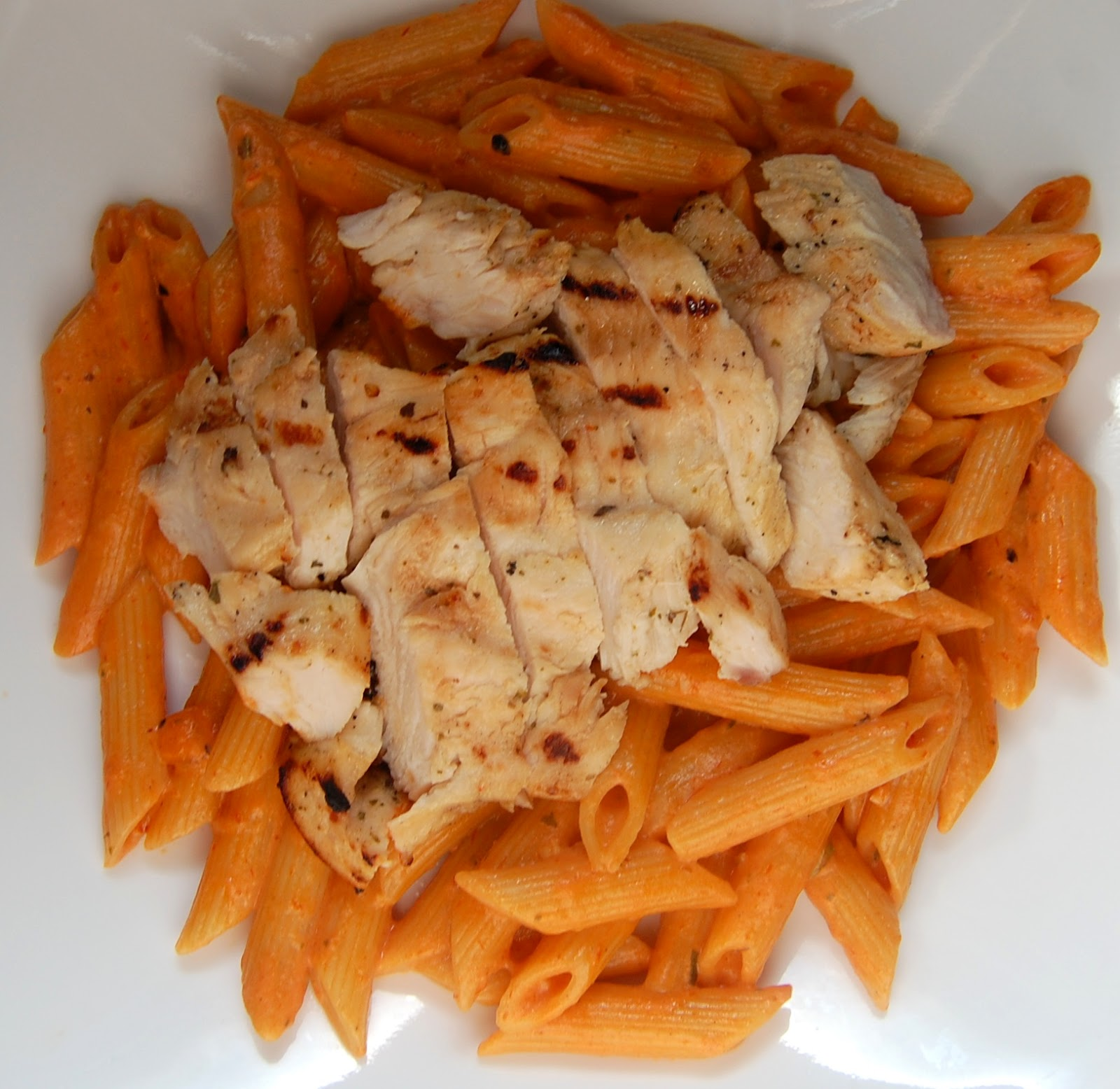 Barbecue Pork And Penne Skillet Recipe: Cassie Craves: Grilled Pesto Chicken With Tomato Cream Penne