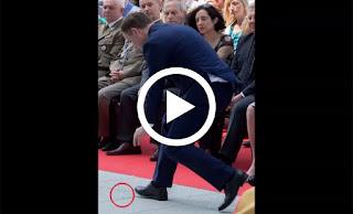 بالفيديو: هذا ما قام به رئيس بولندا عندما وقع القربان المقدس على الأرض!