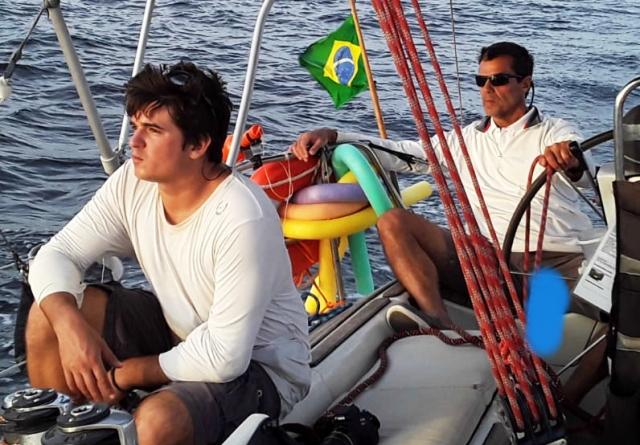 Casseio e Daniel Gurjão, pai e filho trabalhando juntos em perfeita harmonia
