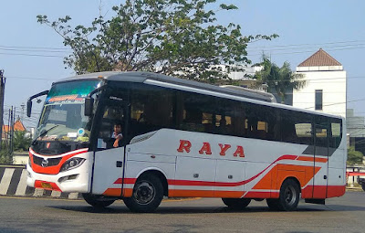 Foto Bus Raya AKDP Solo Semarang