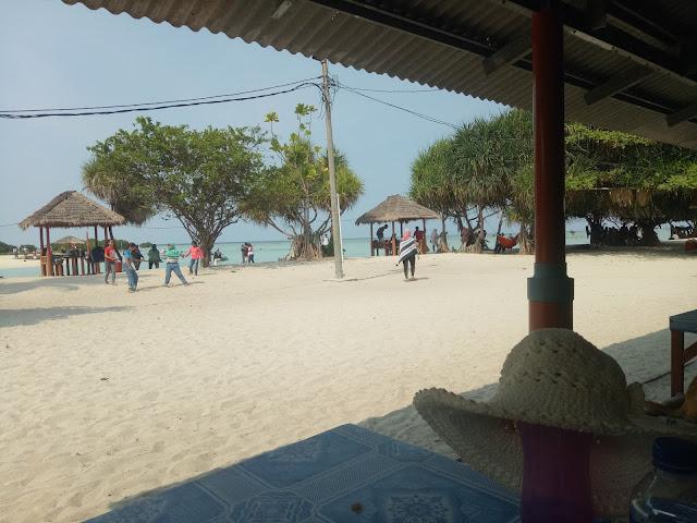 Pulau pari, pantai pasir perawan, wisata pulau pari - liburan yang menyenangkan anda