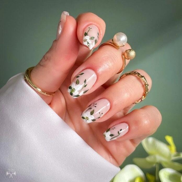 proljeće-manikure-nokti-lak-za-nokte-cvijeće