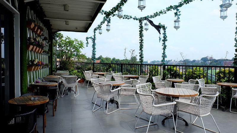 Royale Cafe Bogor (rinamutiadewi.com)