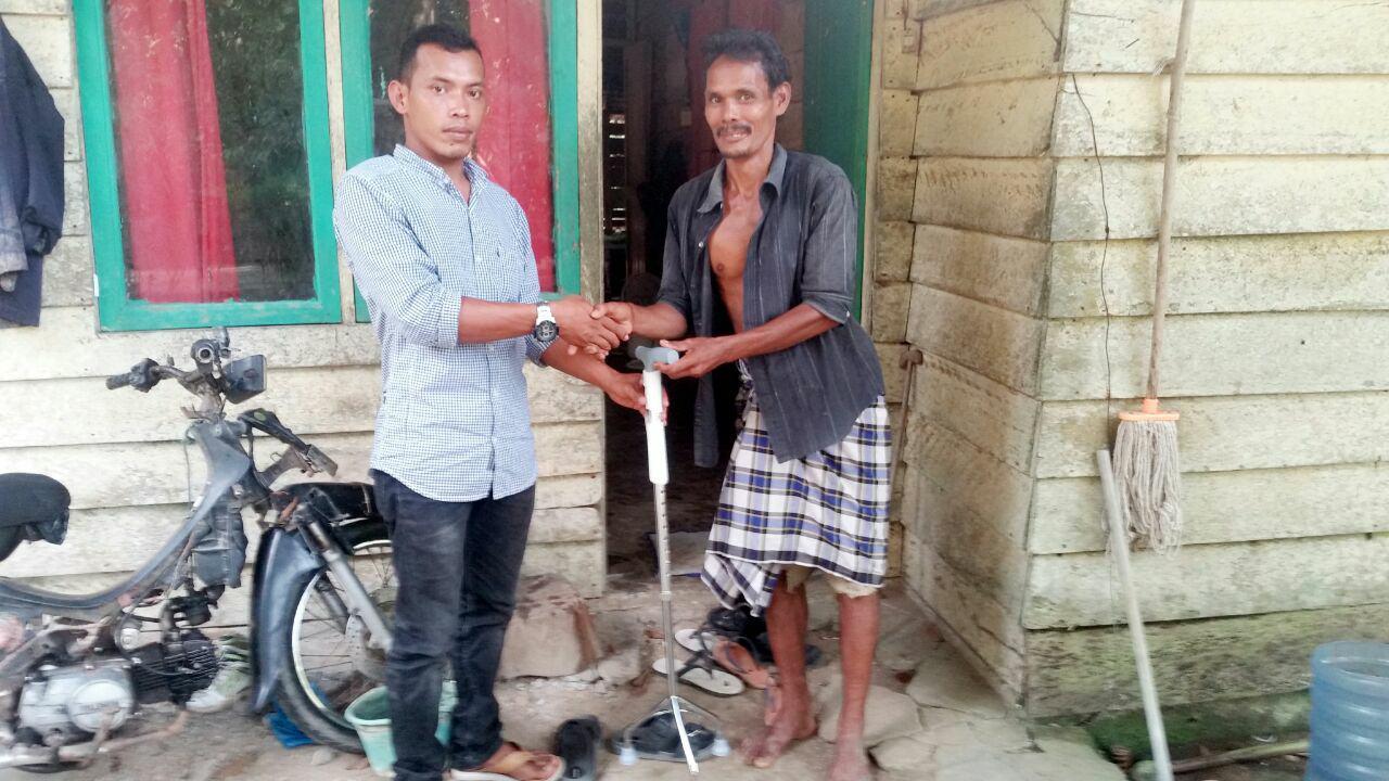 LPD Serahkan Tongkat untuk Pak.Abdullah,Aceh Utara