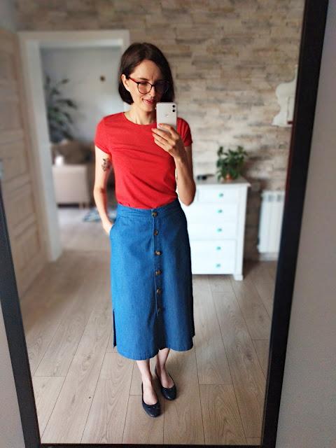 Jeansowa spódnica oraz t-shirt | nowe zdobycze.