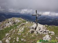 Buzón de cima del pico Carriá en Ponga