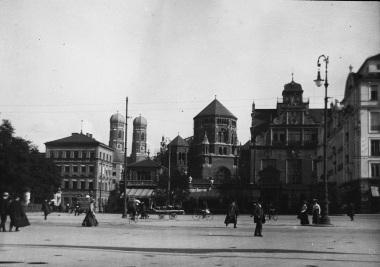Ida regénye könyv tartalom, történet, München