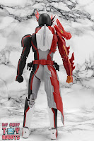 S.H. Figuarts Kamen Rider Saber Brave Dragon 06