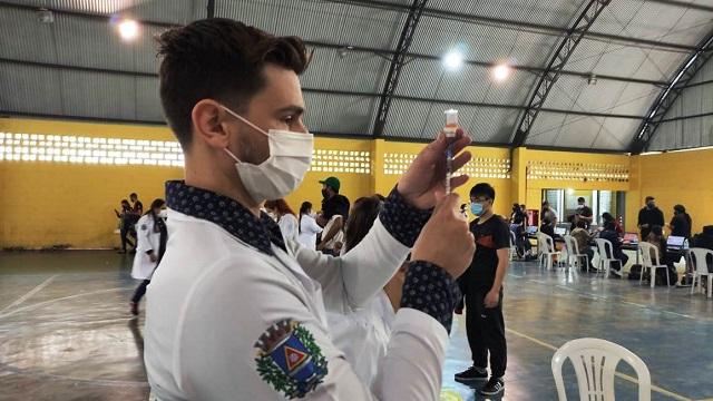 Mutirão contra Covid-19 supera marca e vacina mais de 1.600 pessoas em apenas um dia