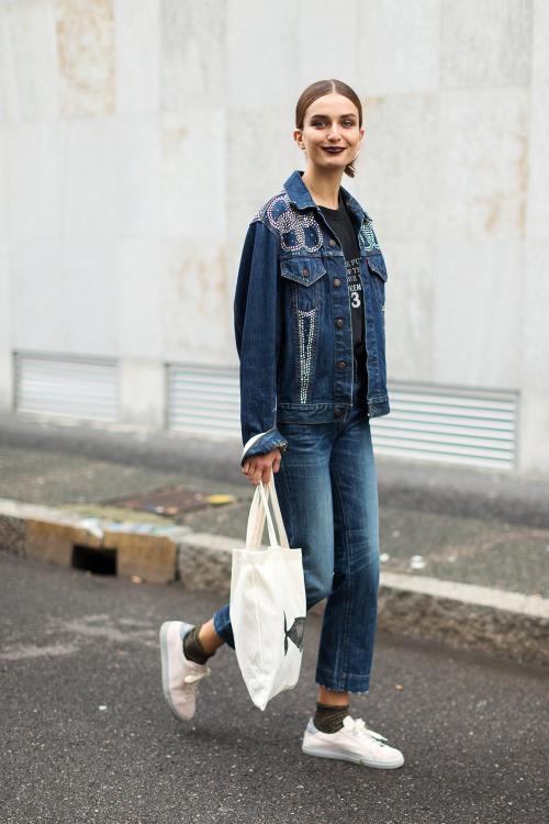 Street Style: Andreea Diaconu's Double Denim in Milan
