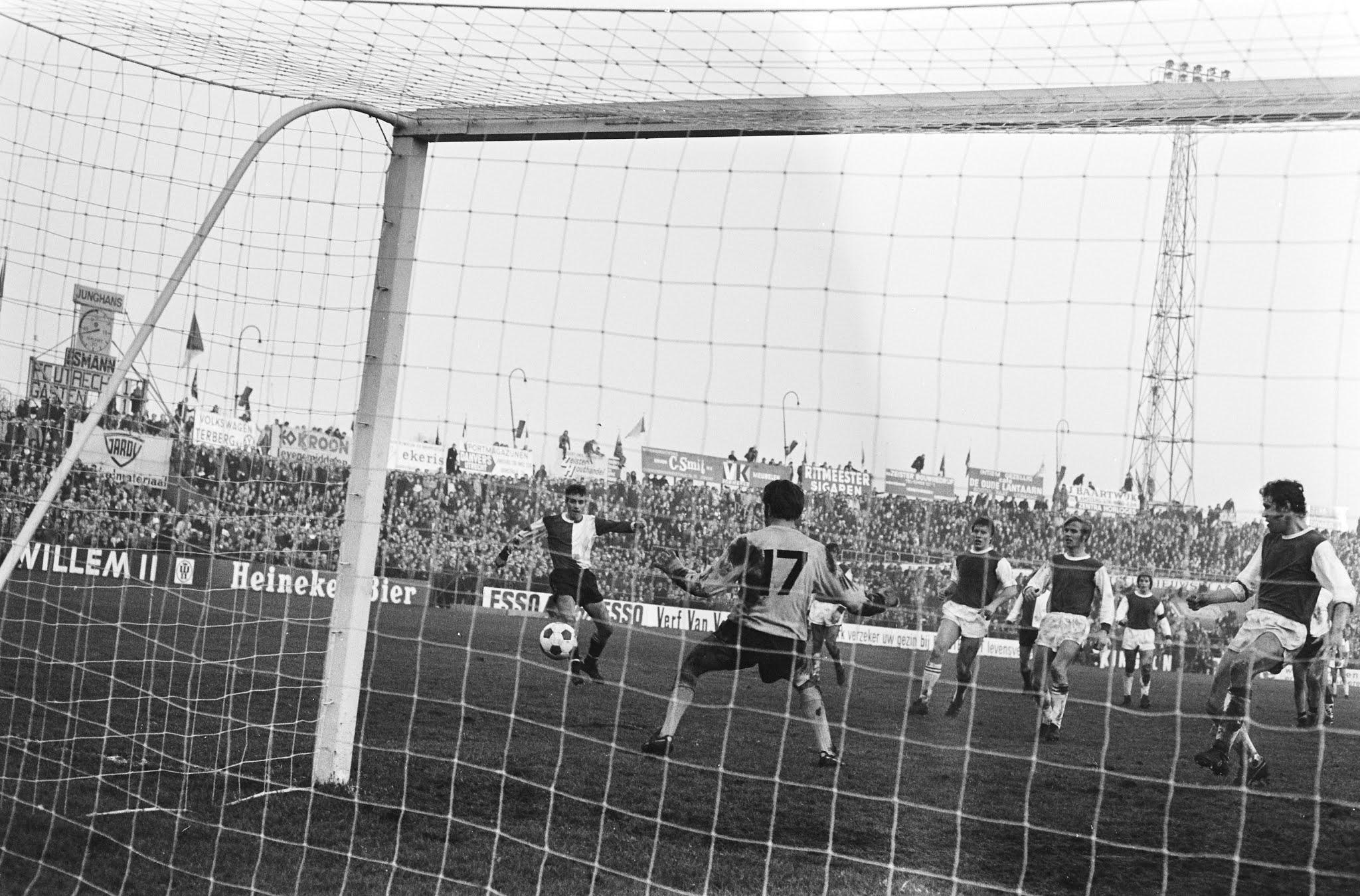 Ove Kindvall scoort de winnende goal