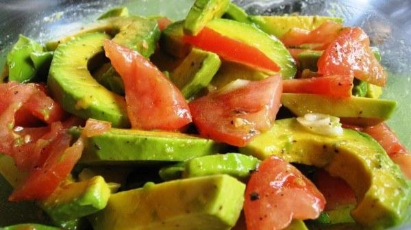 Resultado de imagen para imagenes de ensalada de brócoli aguacate y tomate