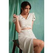 Lavanya Tripati Stills-thumbnail-2