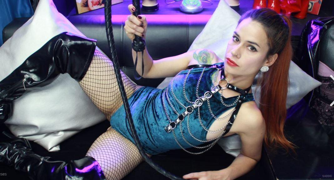 Saddie Model GlamourCams