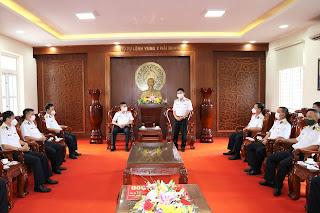 Tổng công ty Tân cảng Sài Gòn hỗ trợ Vùng 2 Hải quân kinh phí phòng, chống Covid-19