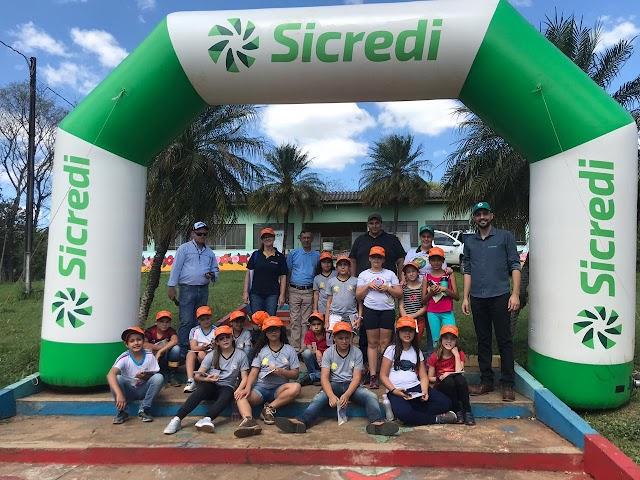 Sicredi, Emater, Prefeitura e Rotary  realizam 1º DIA CAMPO AMBIENTAL em Iretama