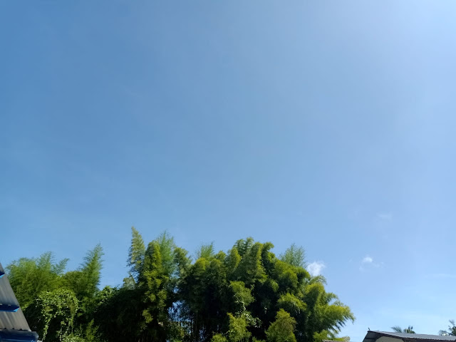 Langit Biru-Awan putih-Senandung-lagu-romatis-melangkah-di-atas-awan