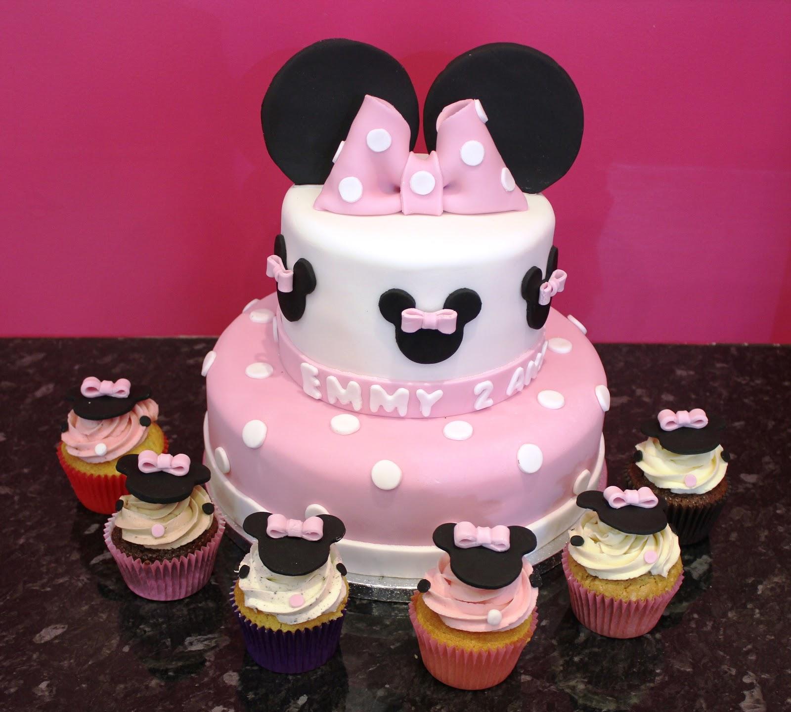 Cupcake Lovers In Paris Minnie Cake