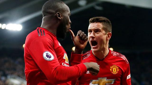 Romelu Lukaku and Ander Herrera Celebrates Manchester United goal