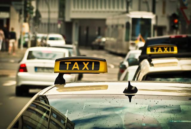 برلين,سلوك,عنصري,تجاه,أم,أجنبية,على,متن,سيارة,أجرة