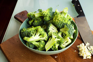10-essential-benefits-of-Broccoli-for-men-and-women.