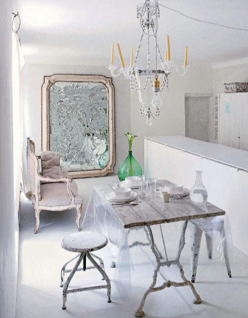 Decordemon stunning house of jacqueline morabito in france for Ameublement shabby chic