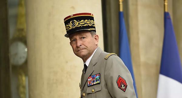 Pierre de Villiers veut réparer la France qui, «dans cet état», lui «fait mal»
