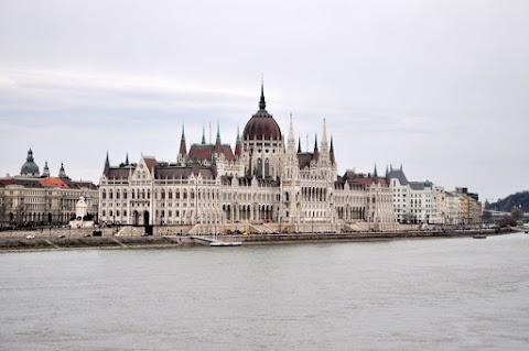 Pod střechami Budapešti