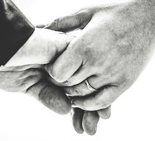 Couple Hand DP
