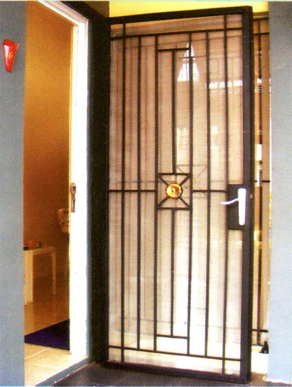 Contoh Desain Pintu Dari Besi Paling Populer