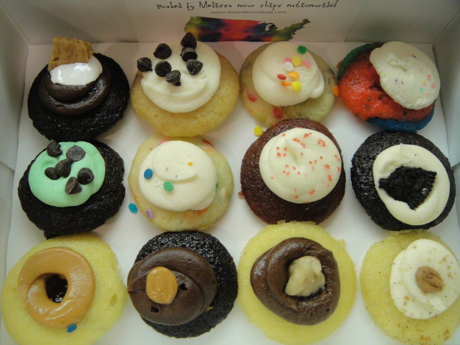 FOODYHOLIC'S Choice: BAKED BY MELISSA MINI CUPCAKES