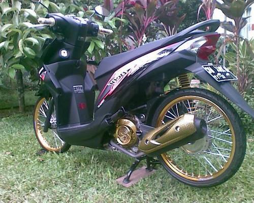 11 Foto modifikasi motor beat fi sederhana simple minimalis airbrush ala thailand velg ring  jari-jari 17