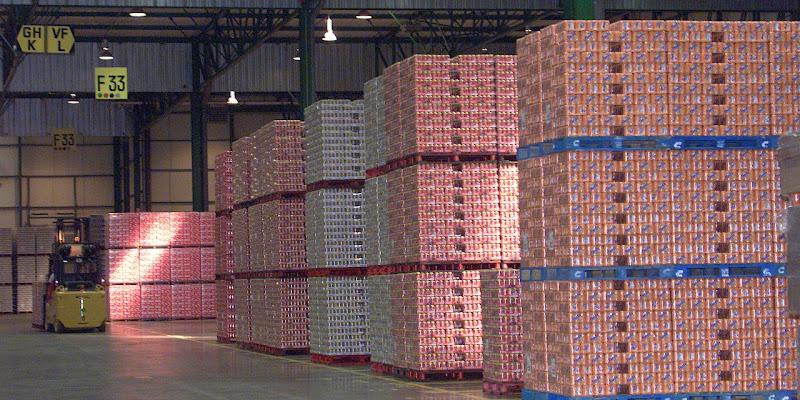Découverte de 370 kg de cocaïne dans un container Coca-Cola en France.