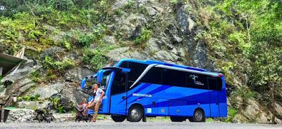 bus pariwisata solo 25 seat