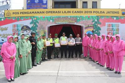 http://www.topfm951.net/2019/12/bhayangkari-dan-persit-brebes-bagikan.html#more
