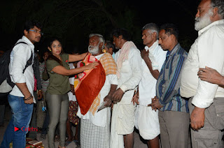 Actress Sri reddy (apthatrust director) Distrubuted Blankets for Orphans at Sai Baba Temple  0059.JPG