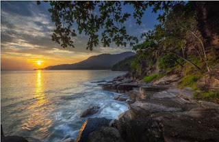 destinasi lintas sumatera pantai batu lapis Lampung