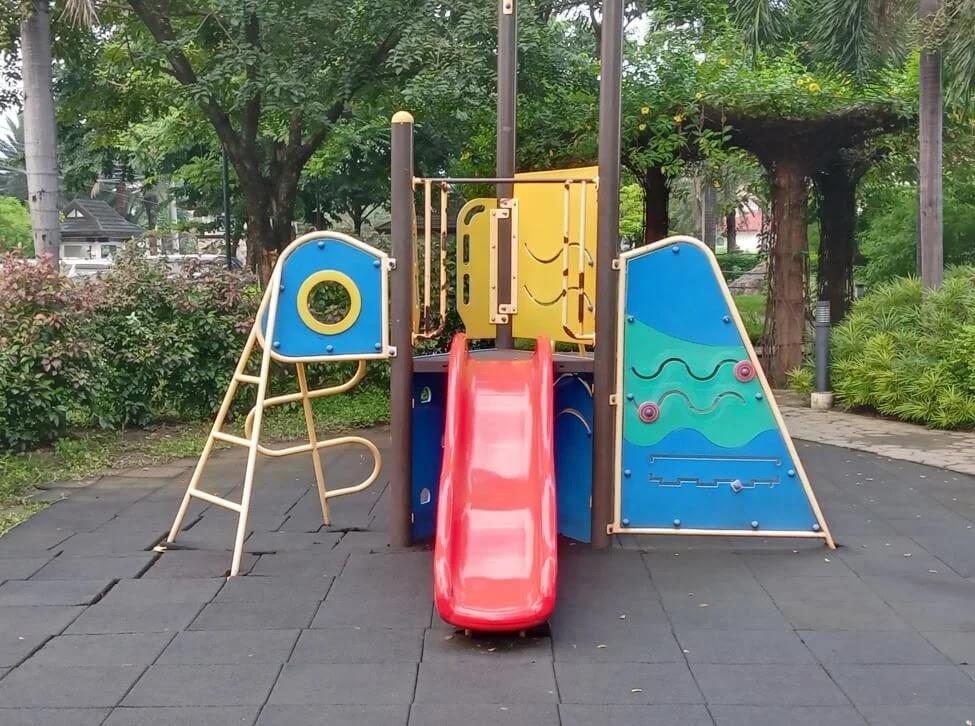Nokia G10 Camera Sample - Playground, 2x Zoom