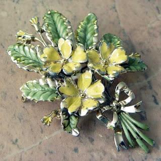 Vintage primrose brooch by Exquisite