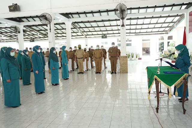 Ketua TP. PKK Kabupaten Asahan Lantik 24 Ketua TP. PKK Kecamatan Se Kabupaten Asahan Asahan