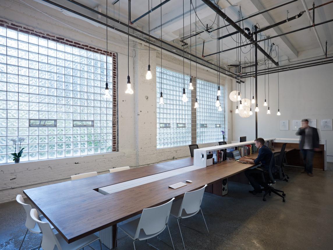 Tendencias y ambientes para crear una oficina de dise o for Imagenes de oficinas minimalistas